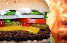 9 продуктов, которые не стоит есть на ночь